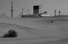 Radiografía de un fotograma: un buque sobre la arena