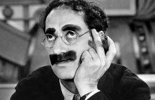 Entrevista ficticia a un actor con bigote pintado