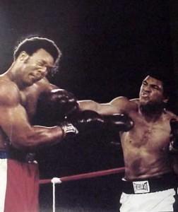 Muhammad Ali consigue lo imposible: noquear a George Foreman.