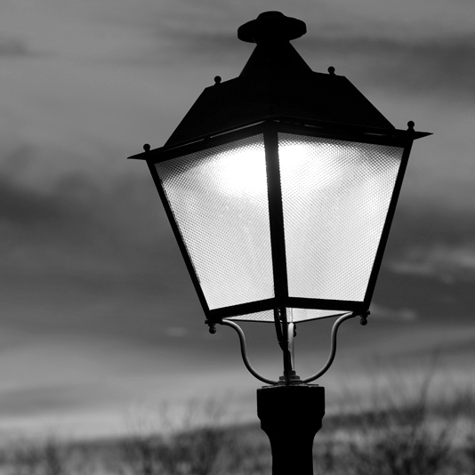 Manuel de Lorenzo: Un simple farol de luz naranja