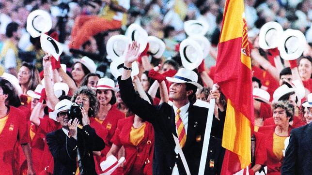 España delegaba su fe en los símbolos