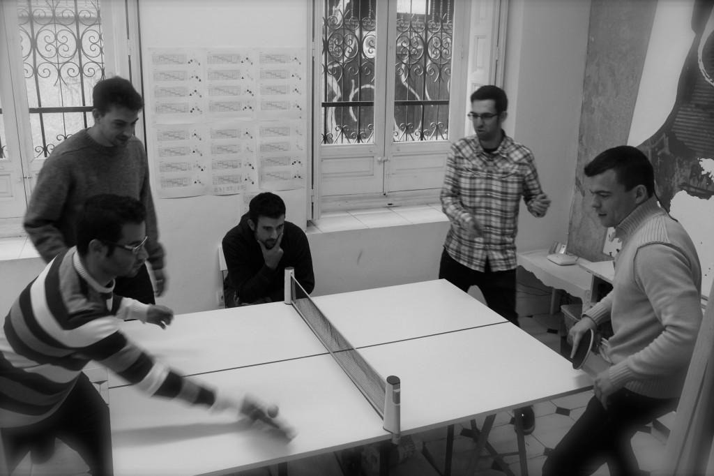 Mesa de ping pong incluida