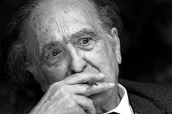 Sánchez Ferlosio: la prosa anfetamínica de un personaje de carácter