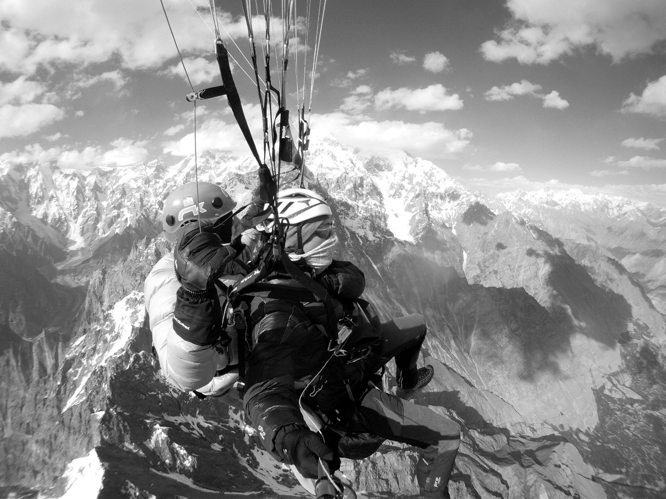 Simón Elías: Aeroalpinistas en el Karakorum