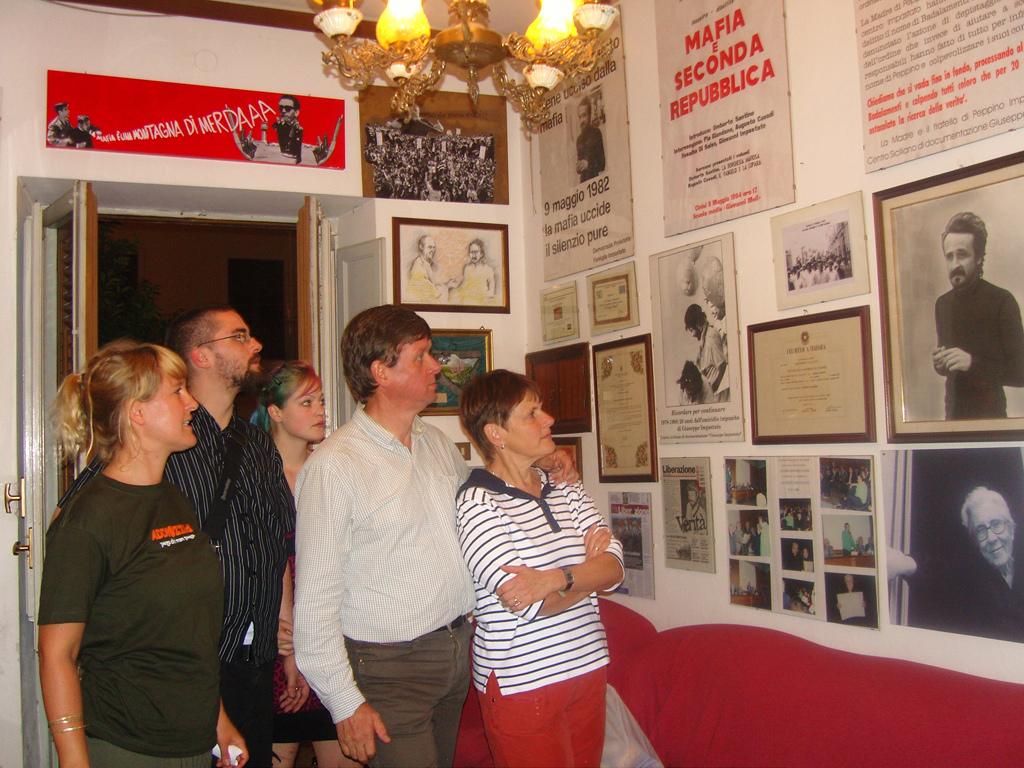 Casa de la Memoria Peppino Impastato periodista asesinado por la Mafia