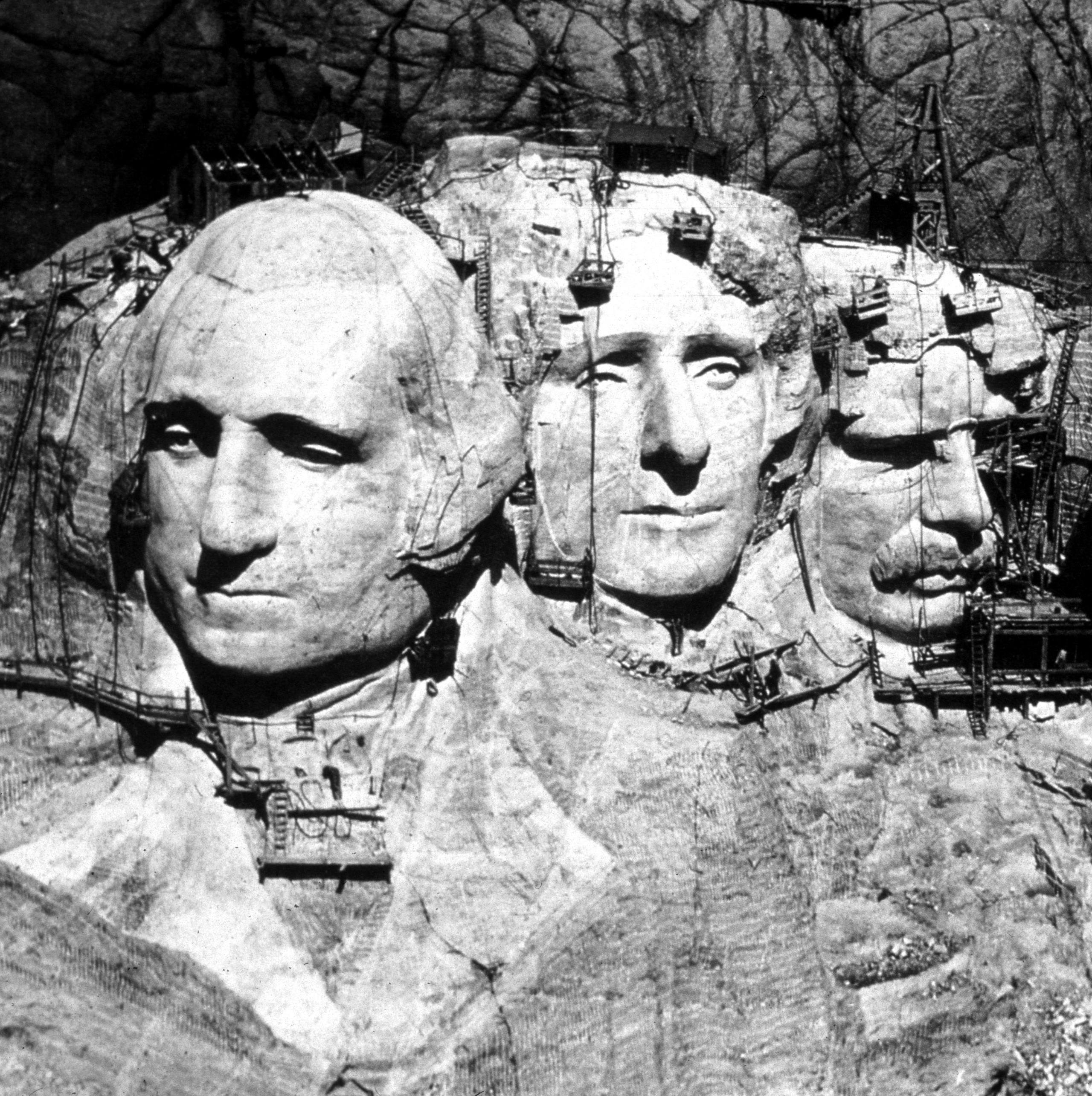 Los dos alicantinos que Washington enterró