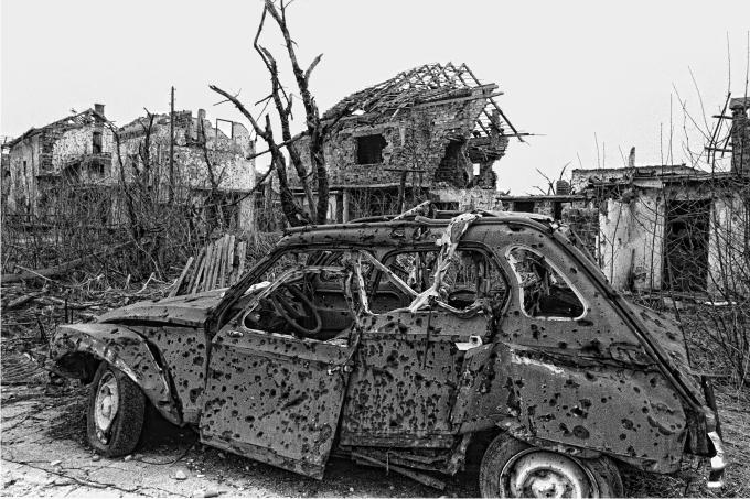 Huellas de la guerra Sarajevo 1996 Fotografía de Nico Polato