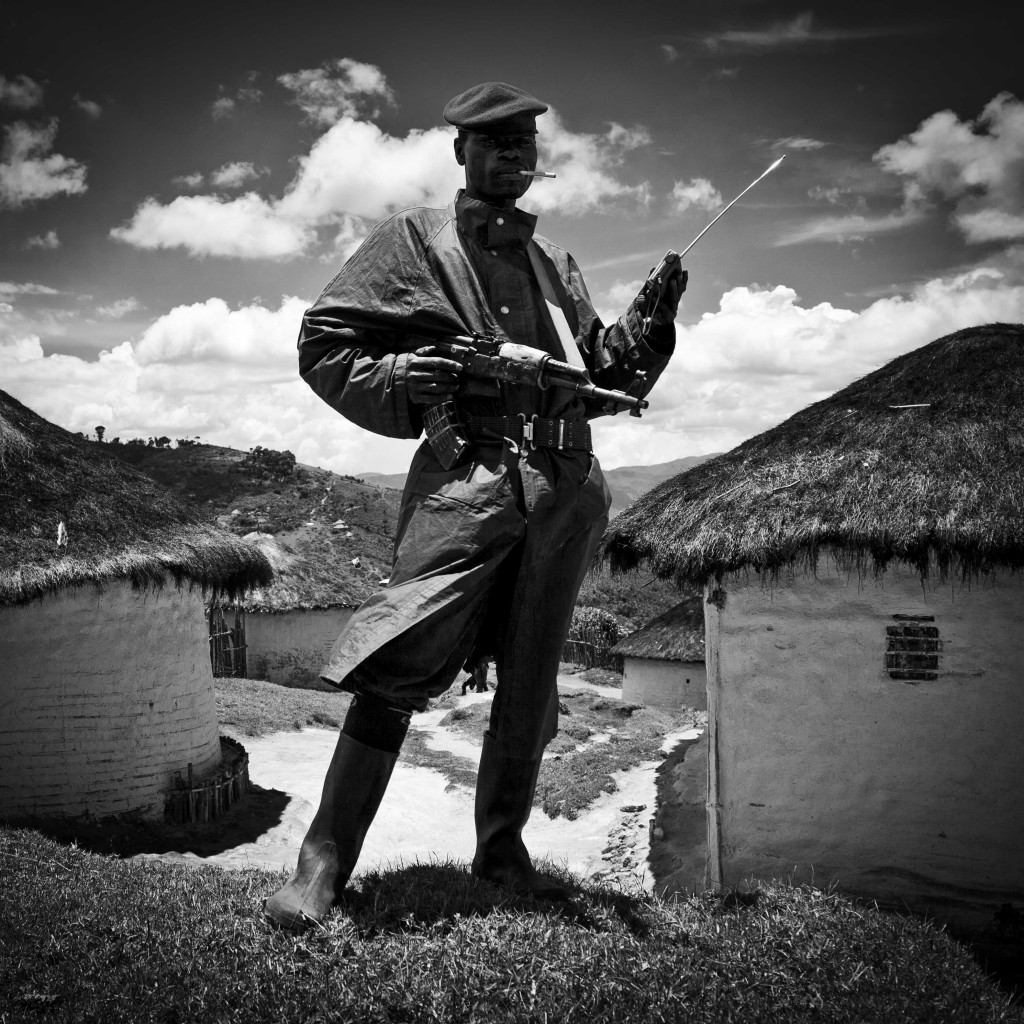 Leyendo el Apocalipsis en Kivu Sur fotografía de Alberto Rojas