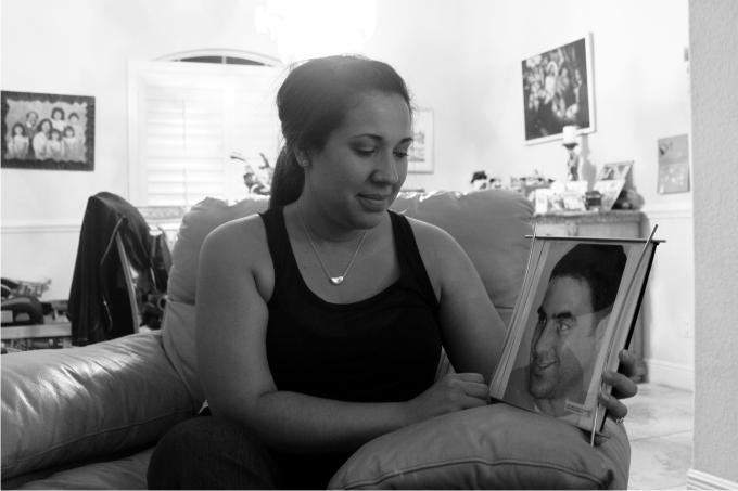 Tanya Ibar con una foto de Pablo Fotografía de Nacho Carretero 2