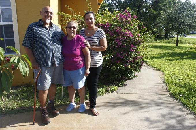 Tanya con sus padres Alvin y George Fotografía de Nacho Carretero