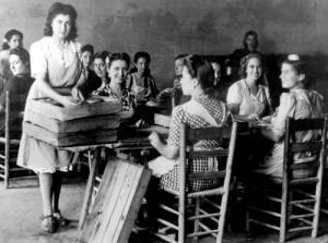Inés Rosales con sus trabajadoras