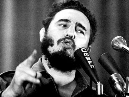 Fidel Castro amenazó con una respuesta bélica a un posible intento de inspección por la fuerza de la ONU.