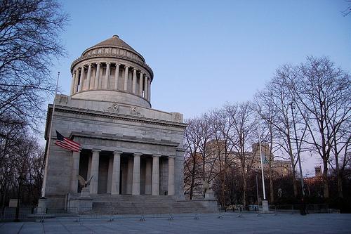 Mausoleo de Ulysses S. Grant: el muerto al hoyo...