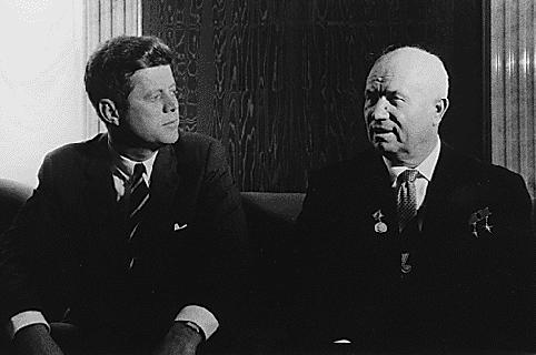 A Kruschev le sorprendió la reacción desmesurada de Kennedy; pensó que ambos podían haberse entendido mejor.