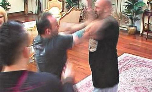 Sasa Curcic pelea con Gru