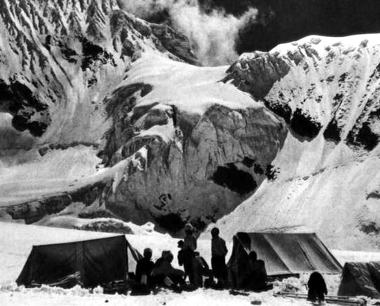 sherpas en el campo 2