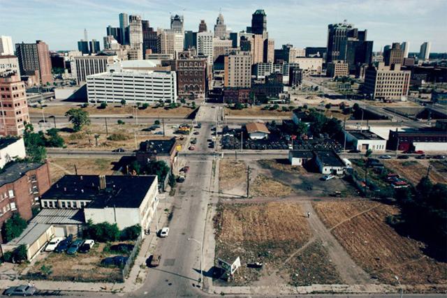 A principios de los 90, el centro de Detroit ya mostraba un aspecto desolador. Hoy está todavía peor.