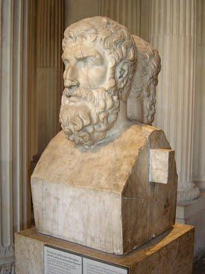 En el Louvre podemos visitar un busto de Epicuro, creador de la paradoja que el cristianismo ha intentado refutar durante dos mil años.