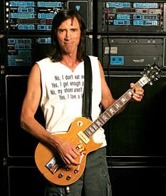 Los conocimientos de ingeniería de Tom Scholz le han permitido diseñar exitosos (y eficaces) accesorios para guitarristas.