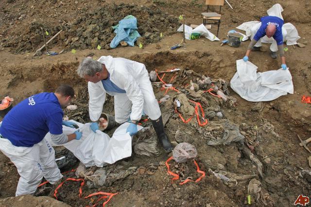 bosnia-srebrenica-mass-grave-2008-11-6-10-36-11