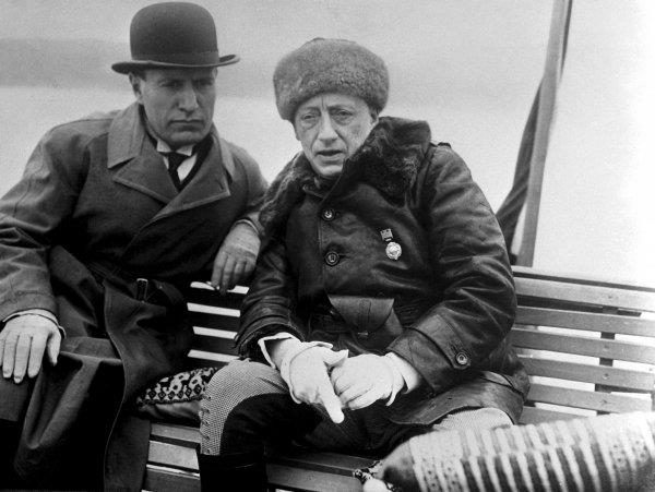 Mussolini y Gabriele D'Annunzio