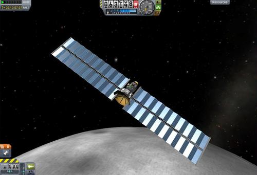 "La sonda lunar ""Christina Hendricks"" desplegando sus dos imponentes paneles solares para captar energía."