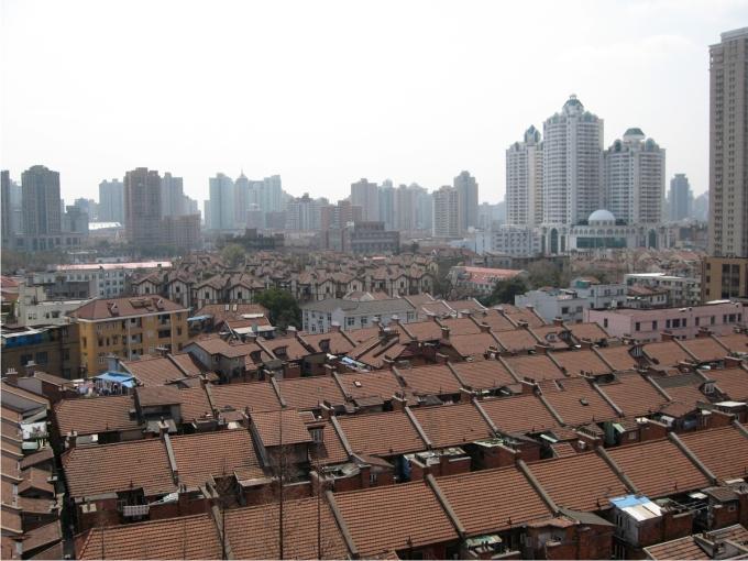 Lilongs que todavía resisten el empuje de los grandes complejos residenciales