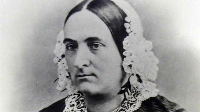 Su esposa Mary. Era una mujer, en serio.