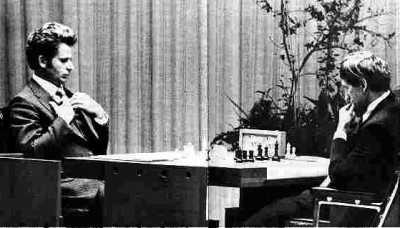 La presión y el cansancio afectaron al juego de ambos contendientes, aunque Spassky pagó el mayor precio.