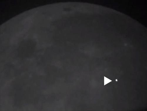 Reciente impacto de asteroide en la luna.