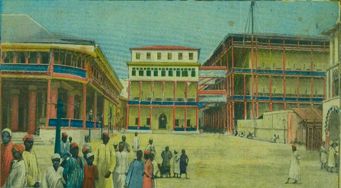 Palacio del sultán, comunicado con el edificio del harén (derecha), tal como erasn antes dek bombardeo inglés.