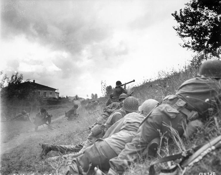 Batalla en el frente de Nápoles, en Italia, 1943. (Propiedas del USFGov.)