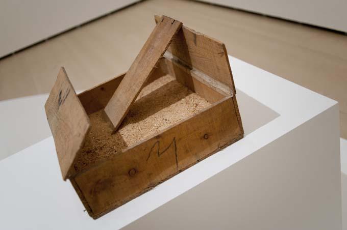 Caj%C3%B3n de serr%C3%ADn Antoni Tàpies, del objeto a la escultura   Jotdown