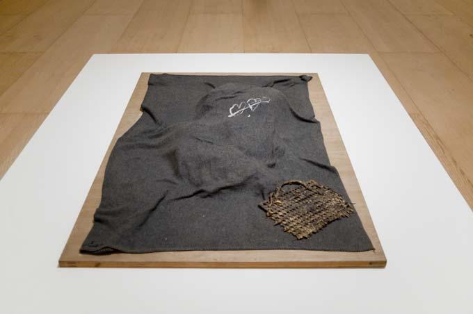 Cobert Antoni Tàpies, del objeto a la escultura   Jotdown