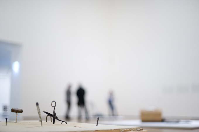Del objeto a la escultura Antoni T%C3%A0pies Museo Guggenheim Bilbao Antoni Tàpies, del objeto a la escultura   Jotdown