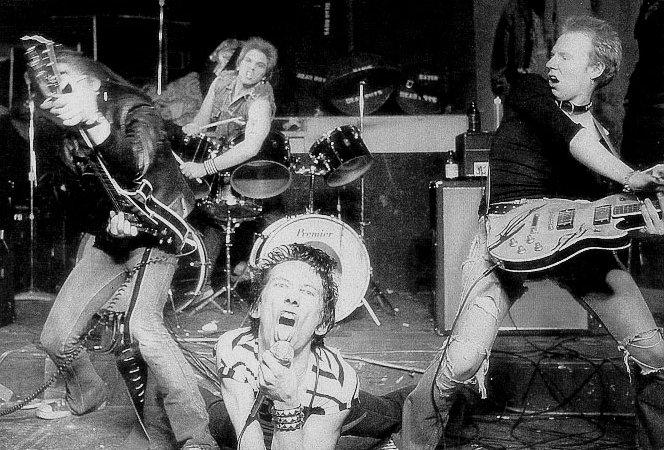 Dead Boys (CC).