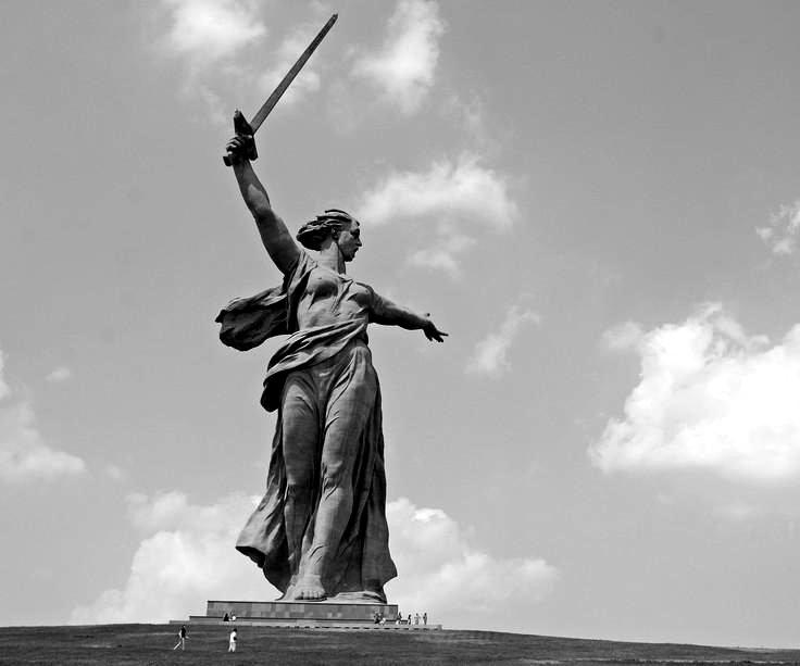 Estatua de la Madre Patria, Volgogrado. Fotografía tomada por Rob (CC).