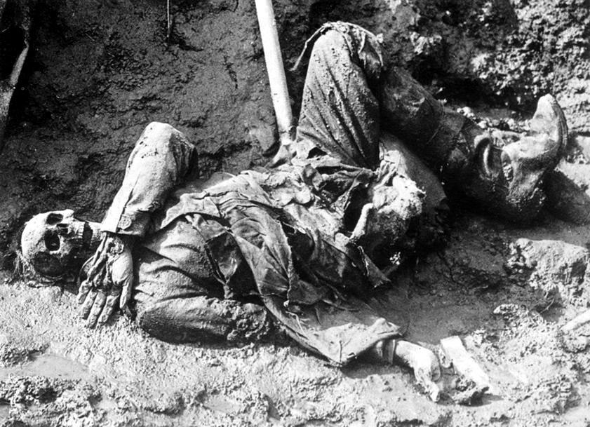 Soldado alemán muerto durante la Batalla del Somme en la Primera Guerra Mundial (PD).