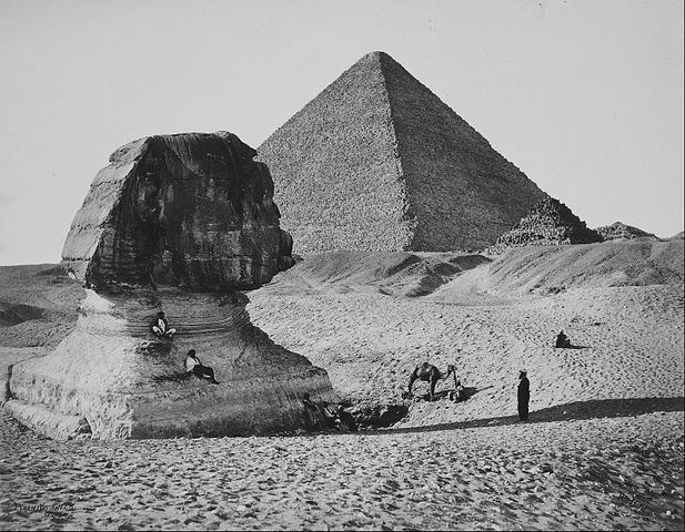 The Sphinx, the Great Pyramid and two lesser Pyramids, Ghizeh, Egypt. Foto Francis Bedford