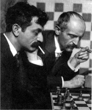 Emanuel Lasker y su hermano Berthold Lasker. Foto: Frank Eugene (CC)