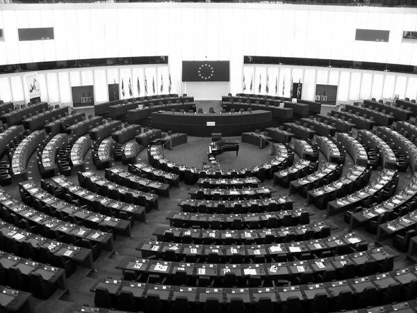 Deleyes y salchichas: cómo se hace una directiva europea