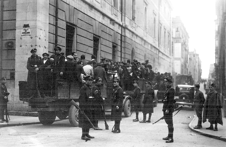 Trasladando a detinidos tras la revolución de Asturias, 1934 (DP)