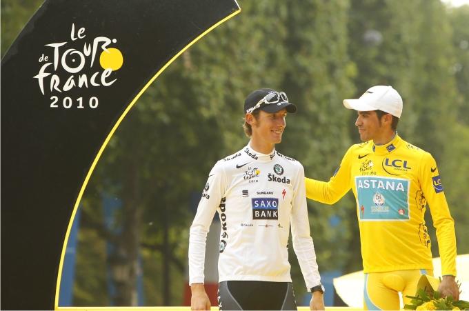 Alberto Contador con Andy Schleck. Foto REUTERS Cordon Press