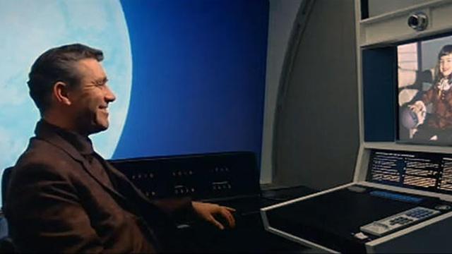 2001: A Space Odyssey, Stanley Kubrick (1968), Metro-Goldwyn-Mayer. La única diferencia entre esto y chatroulette es que el caballero lleva puestos los pantalones.