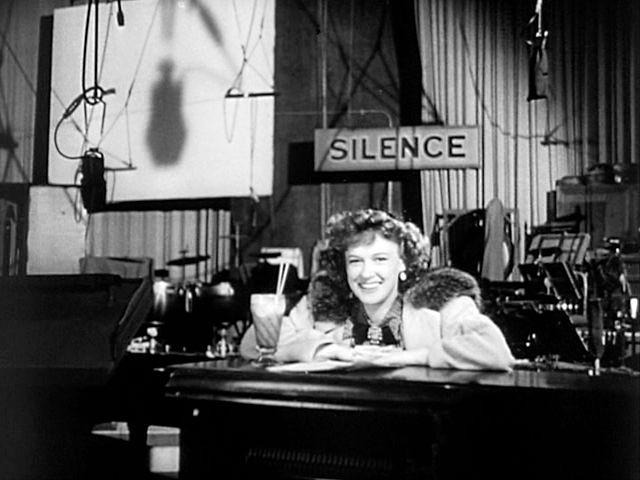 1940 Dorothy Comingore en el set de Ciudadano Kane-Dorothy_Comingore