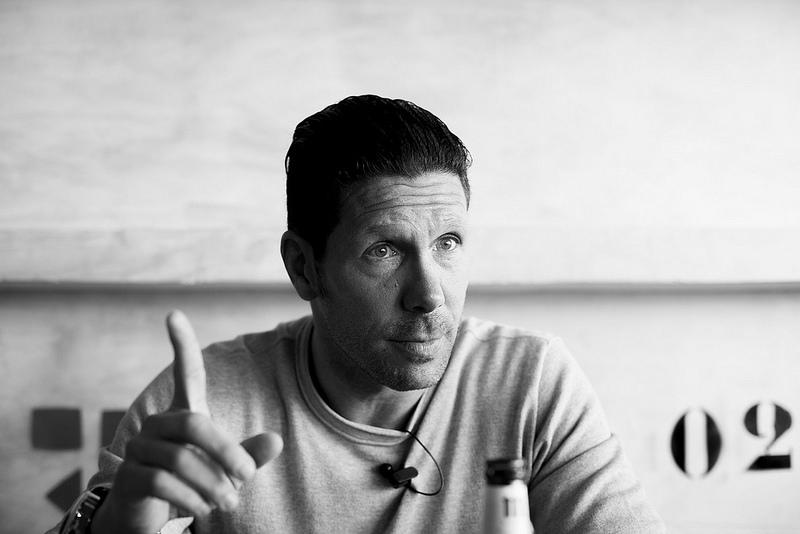 Diego Pablo Simeone: «O me sigues, o no me sigues; el liderazgo no se puede explicar»