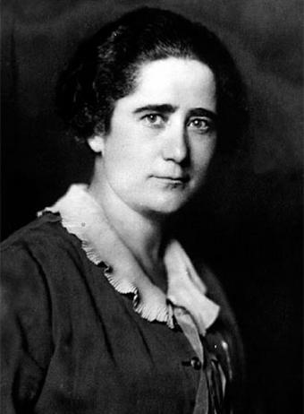Clara Campoamor (DP)