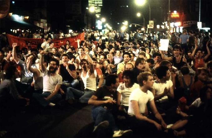 Una protesta contra Crusing en 1980. Fotografía A. J. Epstein