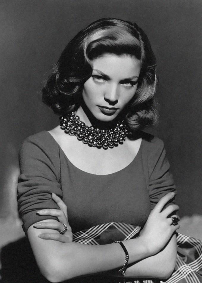 Lauren Bacall en una imagen promocional de Cayo Largo de 1948 CC.