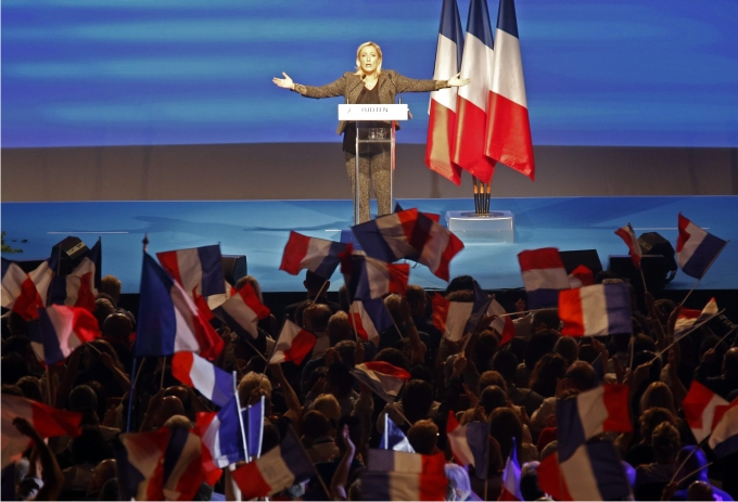 Marine Le Pen en un mitin del NF. Foto: Cordon Press.